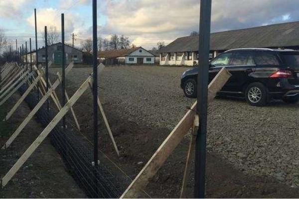 Garduri forjate si temelii gard
