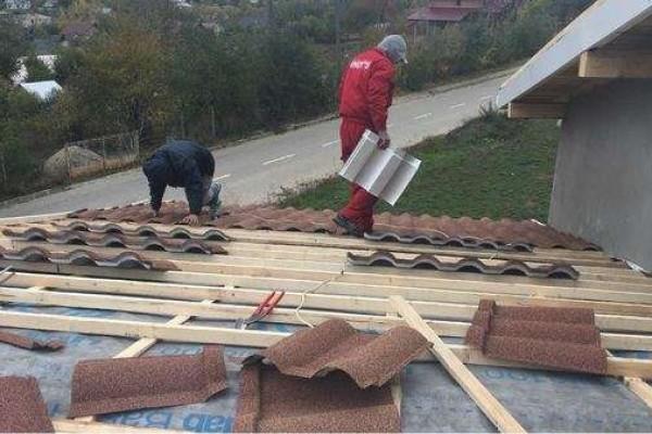 Montaj acoperisuri tabla